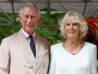 Prens Charles koronavirüs karantinasından çıktı