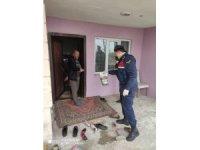 Bozüyük'te köylülerin ihtiyaçlarını jandarma ekipleri karşılıyor