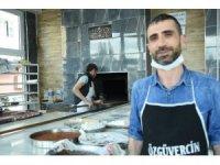 Çalışamayanlara bir aylık ekmek mahalle fırıncısından