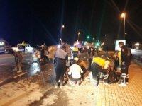 Fatih'te virajı alamayan minibüs otomobile çarptı: 1 ölü, 3 yaralı