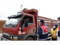Korona virüse karşı Bayburt'ta vatandaşlar bilgilendiriliyor