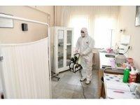 Çayırova'da eczaneler ve sağlık ocakları dezenfekte ediliyor
