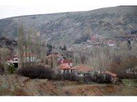 Bu köy kendini korona virüse karşı karantinaya aldı köye misafir kabul edilmiyor