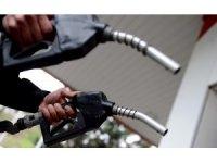 Benzin ve motorinde beklenen indirim gerçekleşti