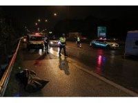 Otoyolda işçi servisi ile otomobil çarpıştı: 1 ölü, 6 yaralı
