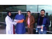 Sağlık çalışanları için koruyucu sperlik ve maske ürettiler