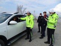 Hisarcık'ta polis ve jandarma ekiplerinden Korona virüs Covid-19 tedbiri
