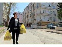 Kadın muhtarlar 'evde kalan' yaşlılar için harekete geçti