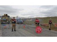Karantinaya alınan köyler jandarma kontrolünde