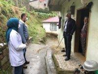 Köy tedbir amaçlı kendi karantinasını uyguluyor
