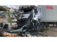İskenderun'da feci kaza: 5 ölü, 23 yaralı