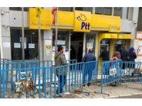 Yoğunluk yaşanan PTT şubeleri kapatılıyor! Ödemeler artık evlerde yapılacak