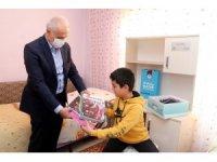 Gültak, BİLSEM'in zeki çocuklarını evlerinde ziyaret etti