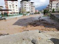 Osmaniye'de şiddetli yağış sele dönüştü