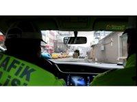 Kars'ta polis vatandaşları evde kal çağrısı yapıyor