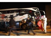 Fransa'dan getirilen 143 kişi yurtta karantinaya alındı