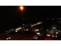 Giriş ve çıkışların kapatıldığı Denizli'de vatandaşlar polis ekiplerini ikna etmeye çalıştı