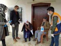 Gürpınar belediyesi ilçede bulunan tüm yaşlılara hijyen paketi dağıttı