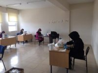 Aslanapa'da kadınlar maske üretiyor