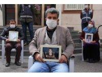 HDP önündeki ailelerin evlat nöbeti 215'inci gününde
