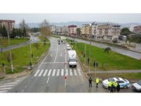 Polislerin geri çevirdiği otomobiller havadan görüntülendi