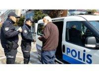 Yaşlı vatandaş ile polis arasında ilginç diyalog