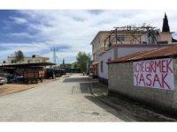 """Köylülerden gönüllü karantina: """"Köye girmek yasak"""""""