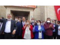 Ceyhan Belediye Başkanı Hülya Erdem oldu