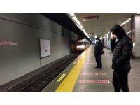 İstanbul'da toplu taşıma araçları boş kaldı