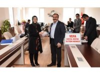 12 Acil Çağrı ve Vefa Sosyal Destek İletişim Merkezi çalışanların meyve ikramı
