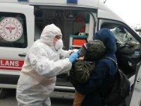 Hasta çocuklarıyla metrobüse geldiler çağrılan ambulans ile hastaneye götürüldüler