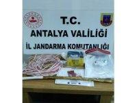 Alanya'da sit alanında kaçak kazı yapan 4 şüpheli suçüstü yakalandı