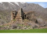 Korona virüs, tarihi yapılara ziyaretleri engelledi