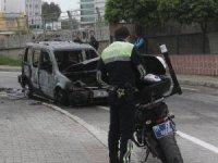 Aracı yandı hayatını zor kurtardı