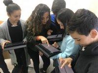 """Garip ve Zeycan Yıldırım Vakfı'nın başlattığı """"English W/Tech"""" programı online eğitime geçiyor"""