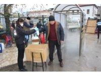 Burhaniye'de 6 bin maske dağıtıldı