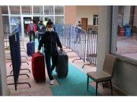 Bolu'da, karantina süreci tamamlanan 30 kişi tahliye edildi