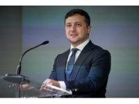 """Ukrayna Devlet Başbakanı Zelenskiy'den. İngiltere Başbakanı Johnson'a """"geçmiş olsun"""" mesajı"""