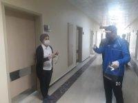Ergani Gençlik Merkezinde yüz koruyucu siper üretiliyor