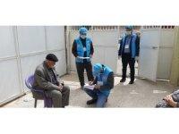Din görevlileri kapı kapı dolaşarak ihtiyaçları karşılıyor