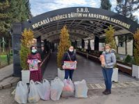 Kocaeli'de korona virüs tedavisi devam eden çocuklara oyuncak hediye edildi