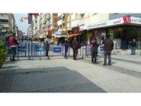 İzmir'de işlek caddeye ilginç önlem