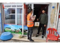 Cizre Belediyesi vatandaşlara ücretsiz maske ve eldiven dağıttı