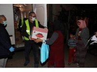 Kocaeli'de ihtiyaç sahibi ailelere ve esnaflara 105 bin kolilik gıda yardımı