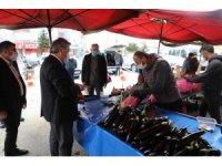 Başkan Palancıoğlu pazar yerinde korona virüs önlemlerini denetledi, alışveriş yaptı