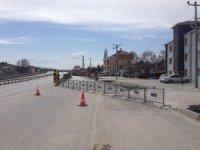 Bozüyük'ün Akpınar mahallesine giriş çıkışlar kapatıldı