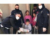 Polislerden 5 yaşındaki Salih'e doğum günü sürprizi
