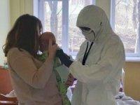 Ukrayna'da 3 aylık bebek korona virüsüne yakalandı