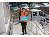 Koçarlı Belediyesi'nden 200 aileye gıda ve hijyen malzemesi desteği