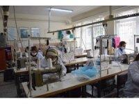 Meslek lisesi öğretmenlerinden maske üretimi